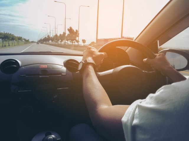 Six Important Rules to Know About Renting a Car in Dubai
